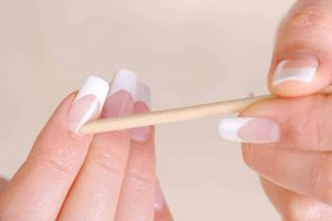 How To Push Back Cuticles with orange stick